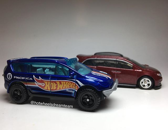 New Chrysler Pacifica for Hot Wheels Race Team in 2019.